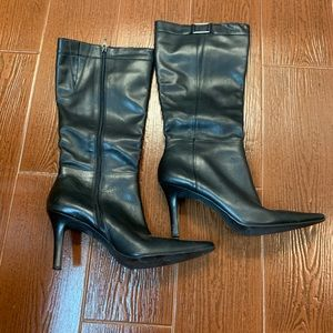 Hilliard and Hanson leather boots